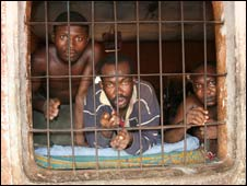 Inmates Peeping from a Nigerian jail